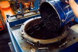 Загрузка нефтешламов на утилизацию